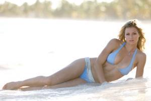 Мария Кириленко на пляже