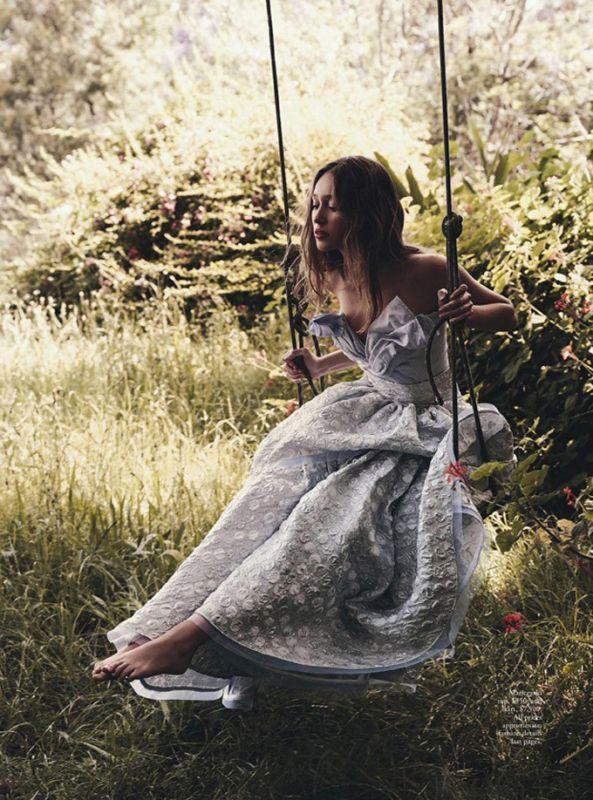 Алисия Дебнем-Кэри в Vogue Australia